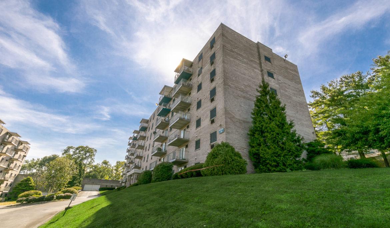 Evalee Apartments