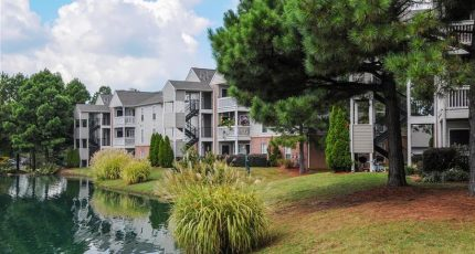 legacy-at-church-lake-apartments-southaven-ms-building-photo (8)